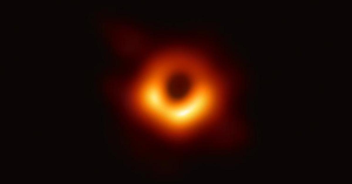 Hình ảnh đầu tiên về hố đen vũ trụ