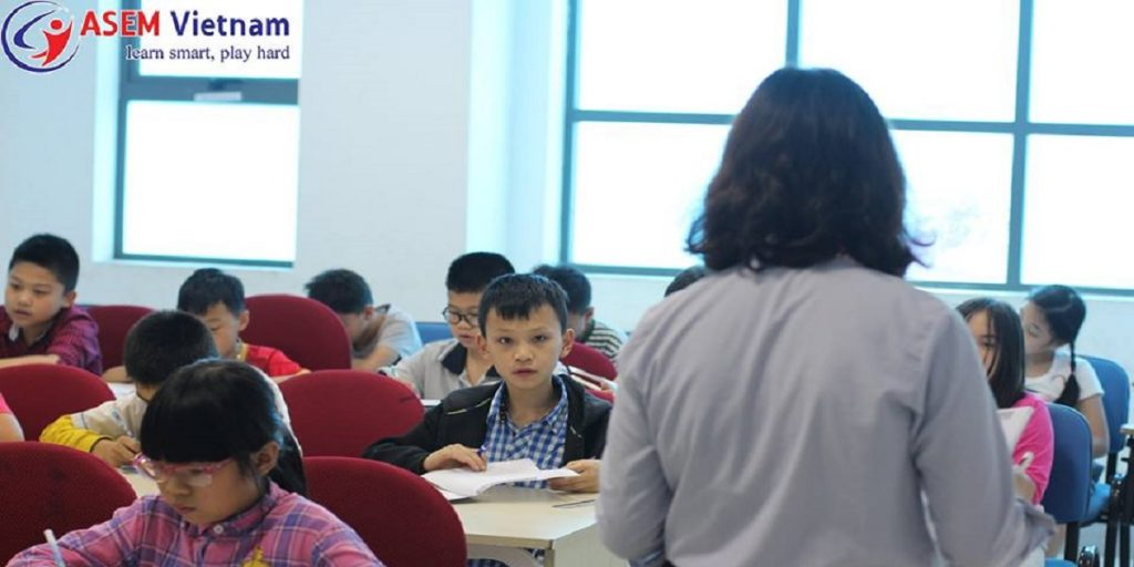 Buổi học tiếng Anh thiếu nhi tại trung tâm Anh ngữ Quốc tế ASEM.