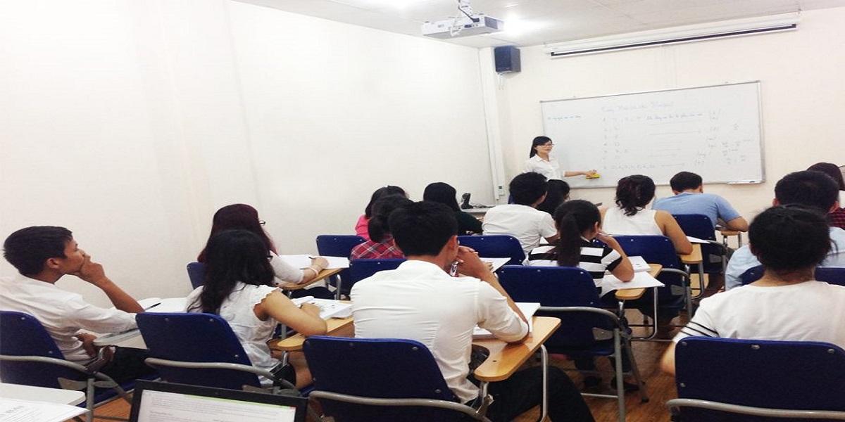 Lớp học tiếng Hàn tại trường Cao Đẳng Lạc Việt