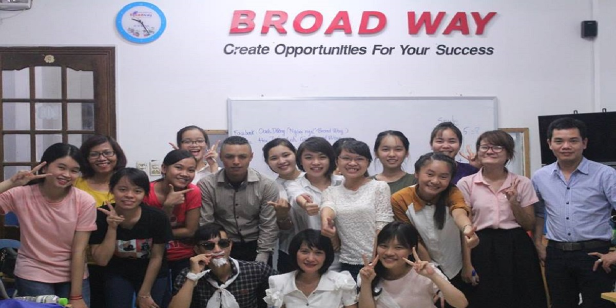 Học viên tại lớp học của Broad Way