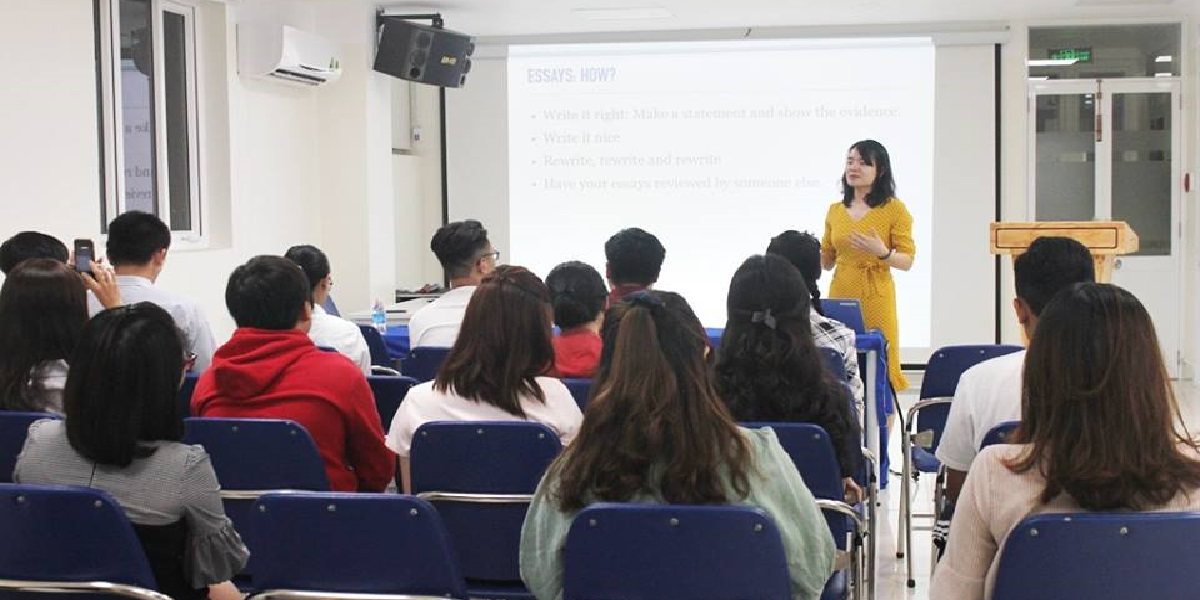 Lớp học tại trung tâm tiếng Anh anh ngữ Gia Việt.