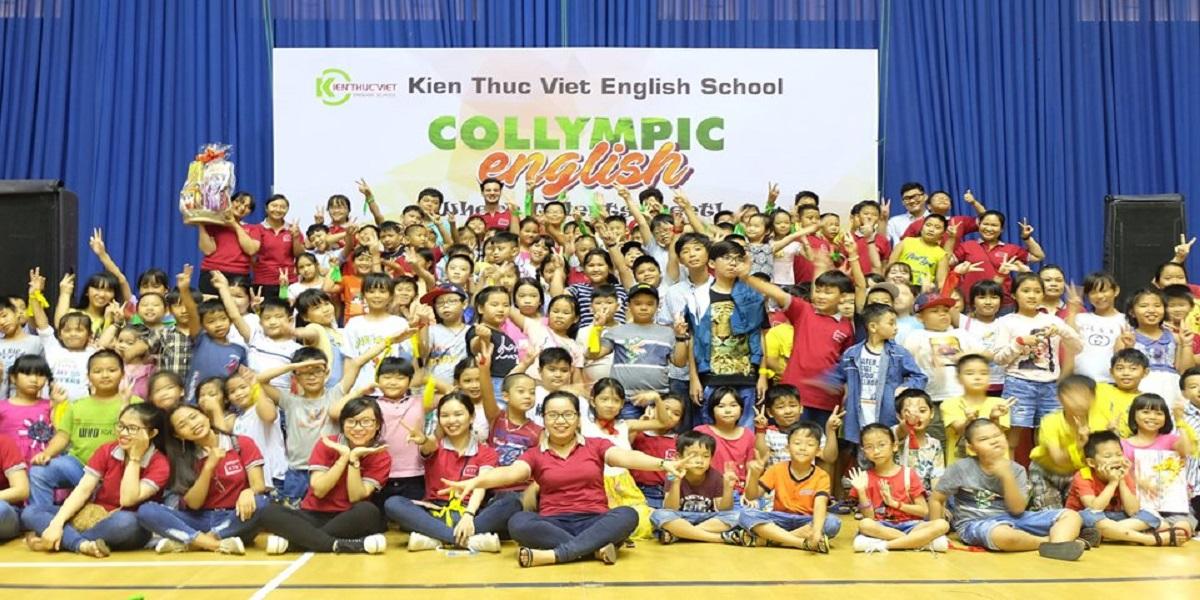 Học viên tại trung tâm anh ngữ kiến thức Việt.
