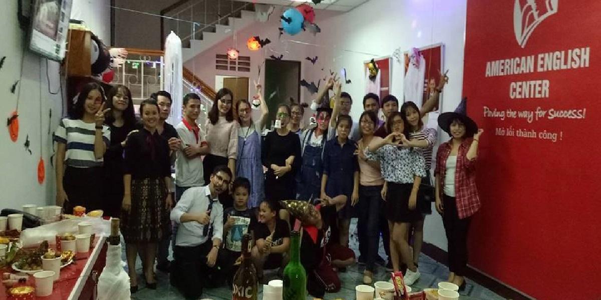 Học viên tại trung tâm anh ngữ REX Language Center.