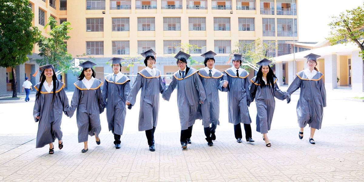 Lễ tốt nghiệp tại trường quốc tế Singapore.