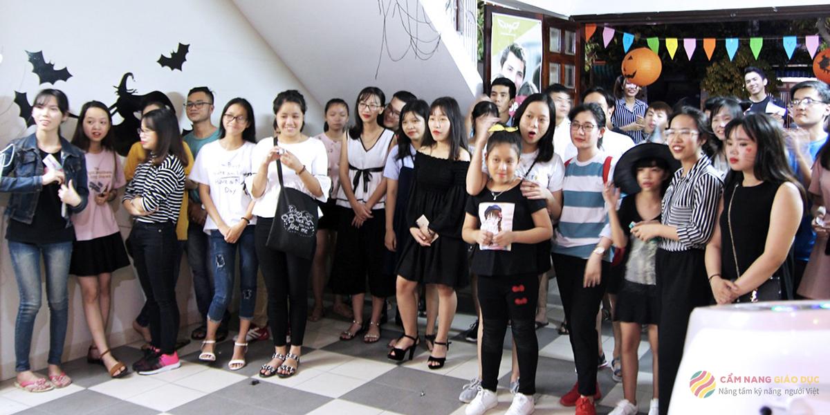Khóa học tiếng Anh cho người mất gốc tập trung vào phát âm tại Wings Đà Nẵng