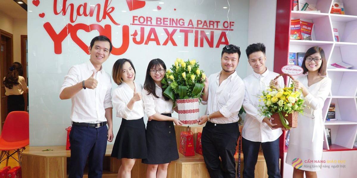 Trung tâm Jaxtina với khóa học tiếng Anh phát triển toàn diện 4 kỹ năng cho người mất gốc