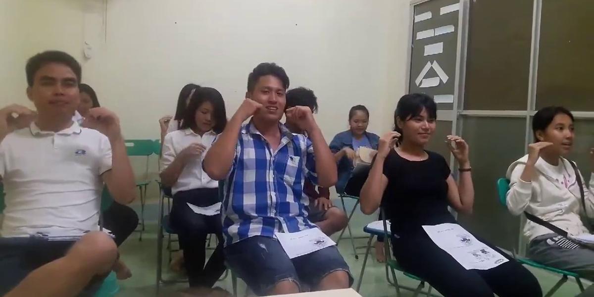 Khóa học tiếng Anh giao tiếp cấp tốc trong 10 tuần tại American Power English
