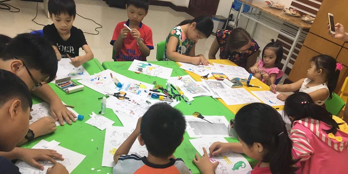 Khóa học tiếng Anh giao tiếp với nhiều hoạt động ngoại khóa tại trung tâm VAE Nha Trang