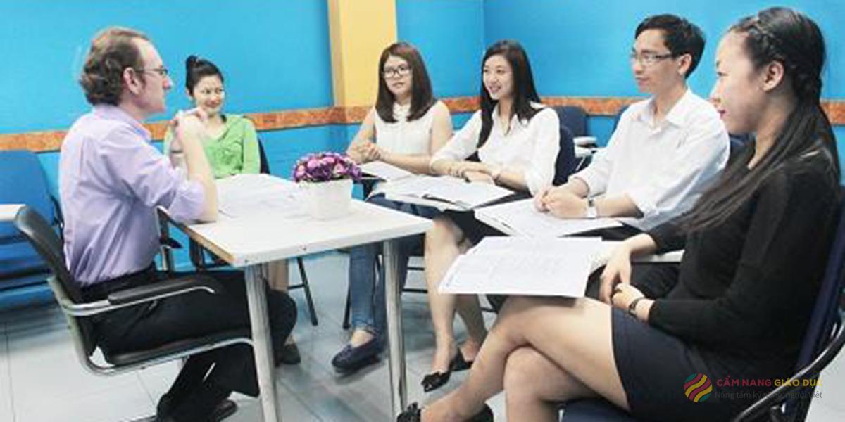 Khóa học tiếng Anh trong kinh doanh cho người mất gốc tại VAE Nha Trang