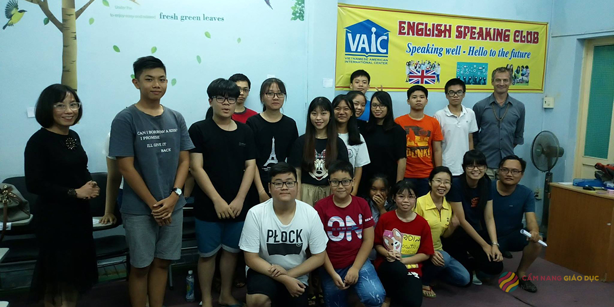 VAIC và khóa học tiếng Anh giao tiếp cấp tốc cho người mất gốc tại Nha Trang