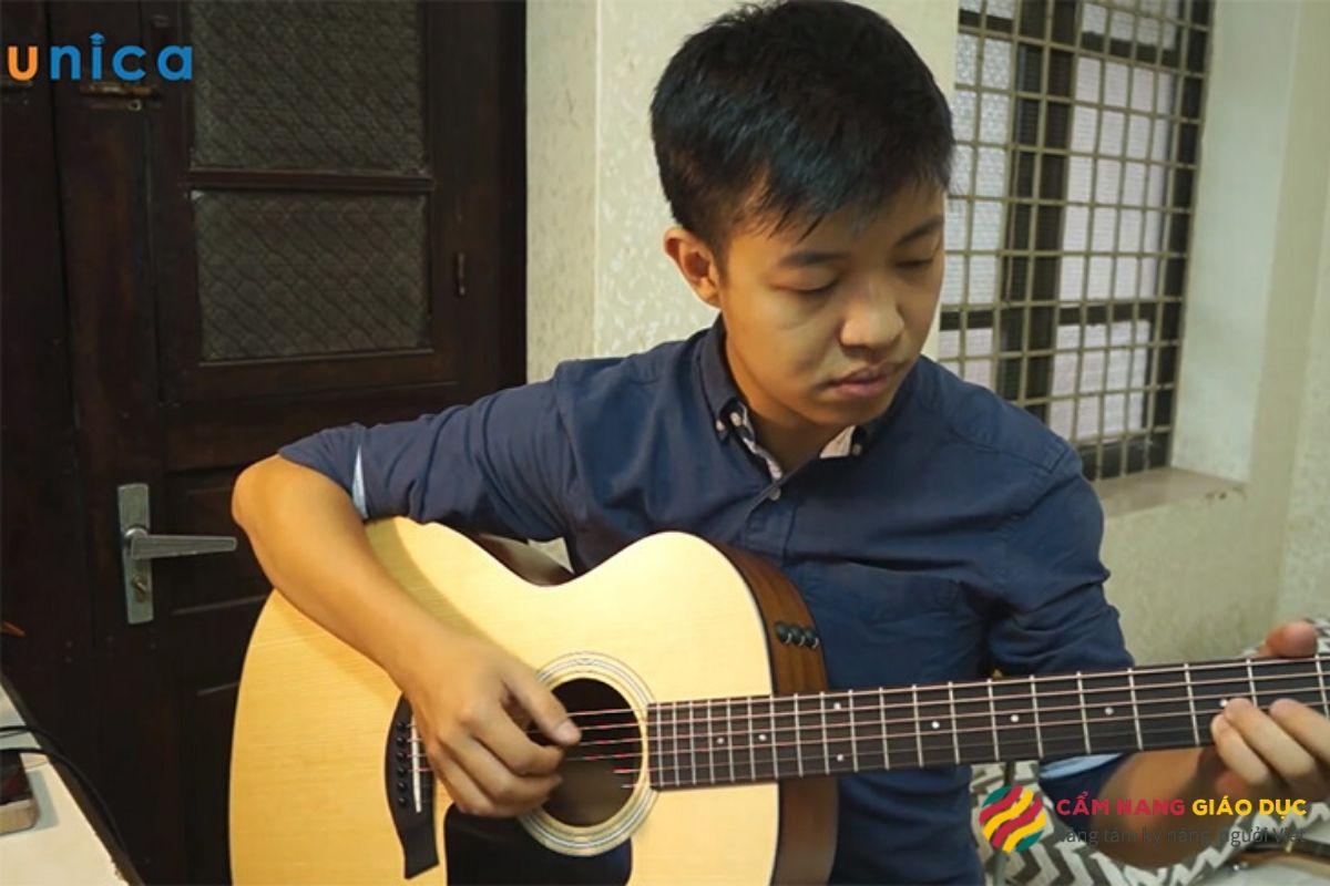 Học đệm hát guitar - Làm chủ cây đàn trong taycùng Hà Kế Tú