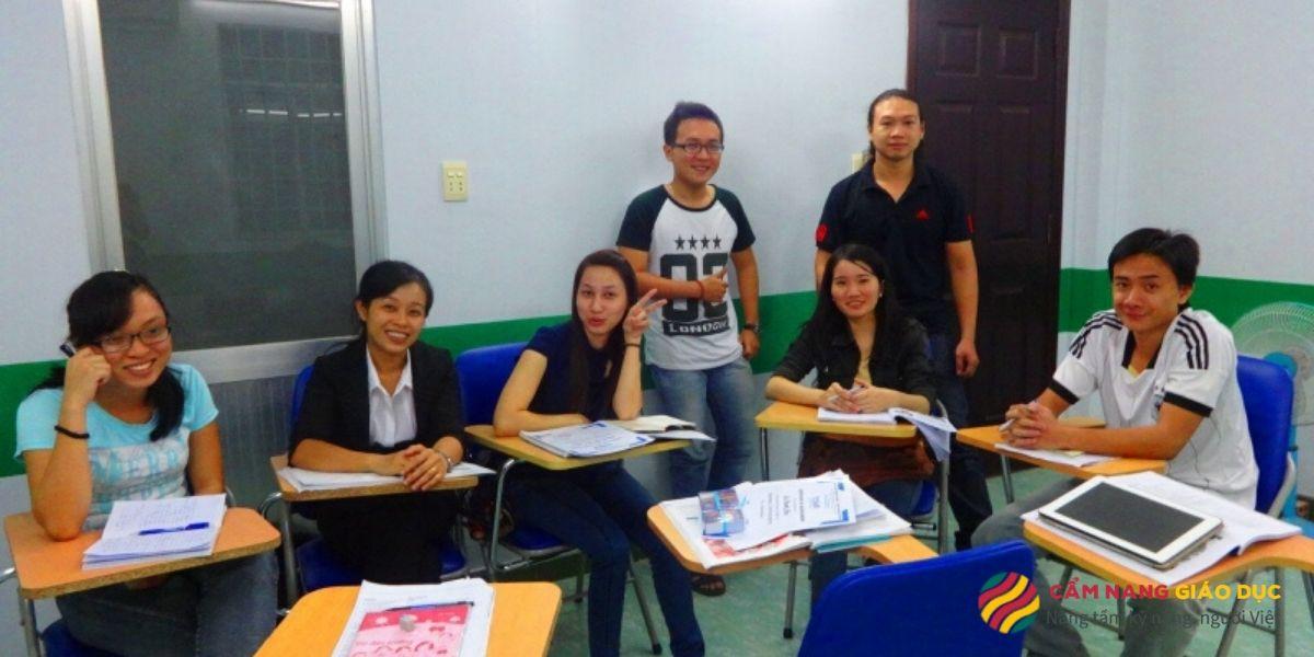 Trung tâm tiếng Anh Newlight - Học tiếng Anh giao tiếp thực tế.
