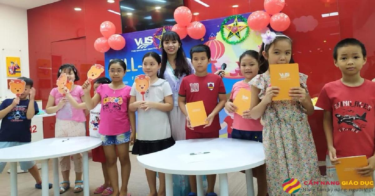 Học viên tại trung tâm tiếng Anh Anh Văn Hội Việt Mỹ.