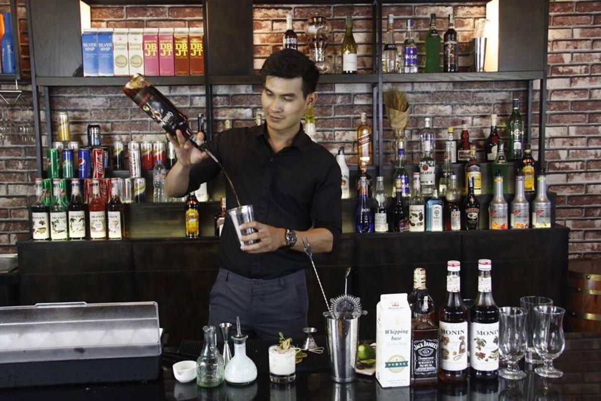 Học Bartender tại Trung tâm dạy nghề Nhất Hương với mức học phí hợp lý nhất