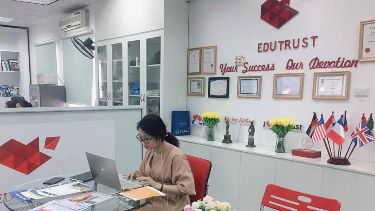 Trung tâm tư vấn du học Canada tại Hà Nội EduTrust