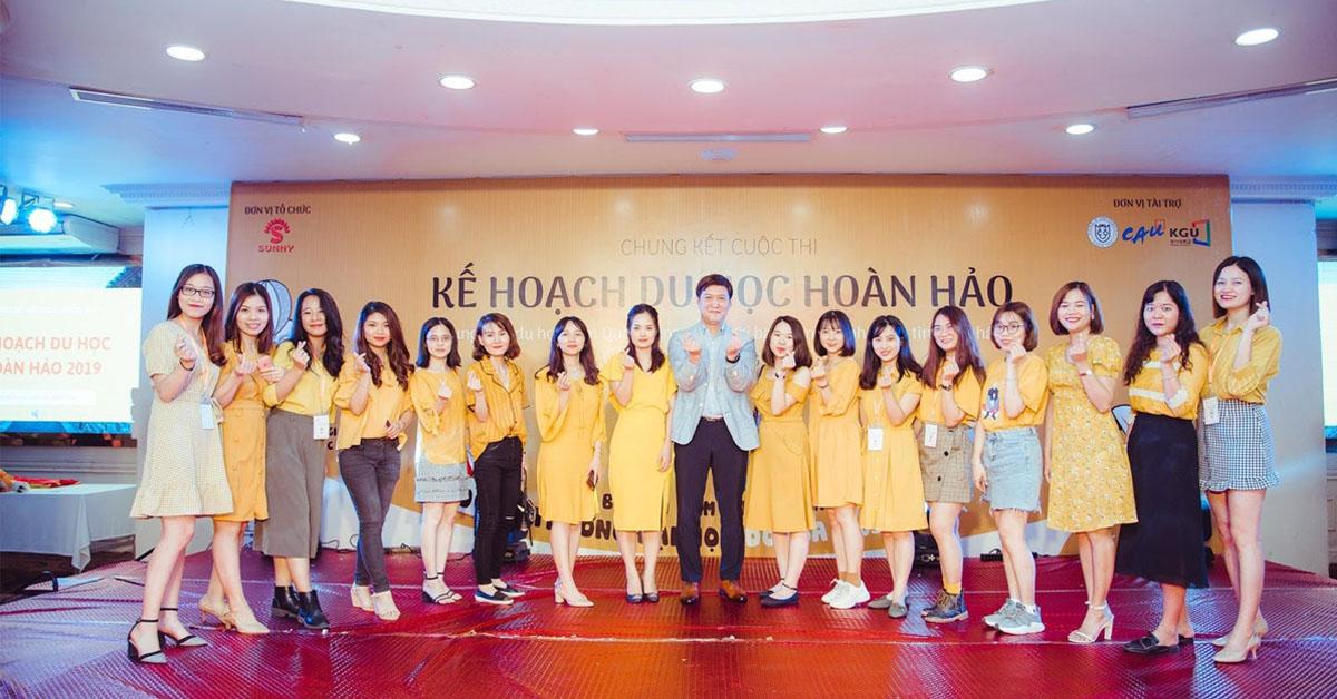 Trung tâm tư vấn du học Hàn Quốc tại Hà Nội Sunny với đội ngũ trẻ trung
